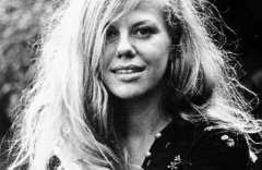 Remember this famous picture of the beautiful Erica Jong?