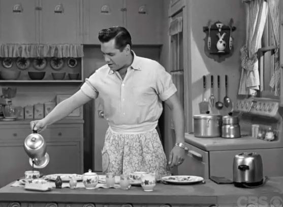 Ricky Ricardo (Desi Arnaz) cooking