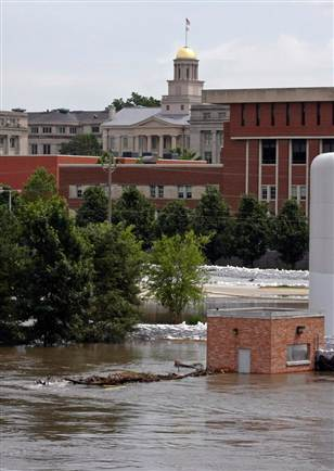 University of Iowa campus during flood fo 2008.